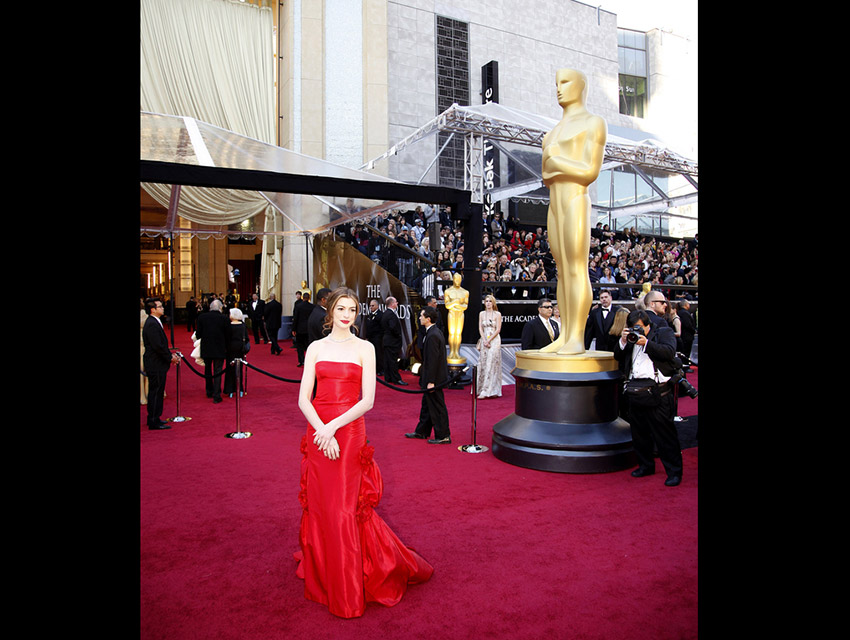 Ann Hathaway arriving at The Academy Awards