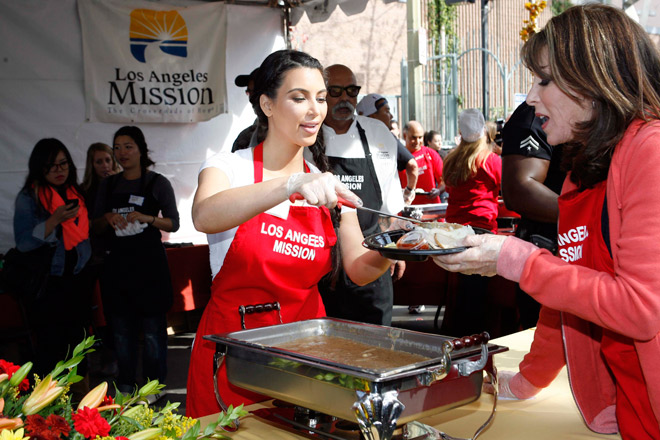 Giving Back: Where to Volunteer on Thanksgiving Day Los ...