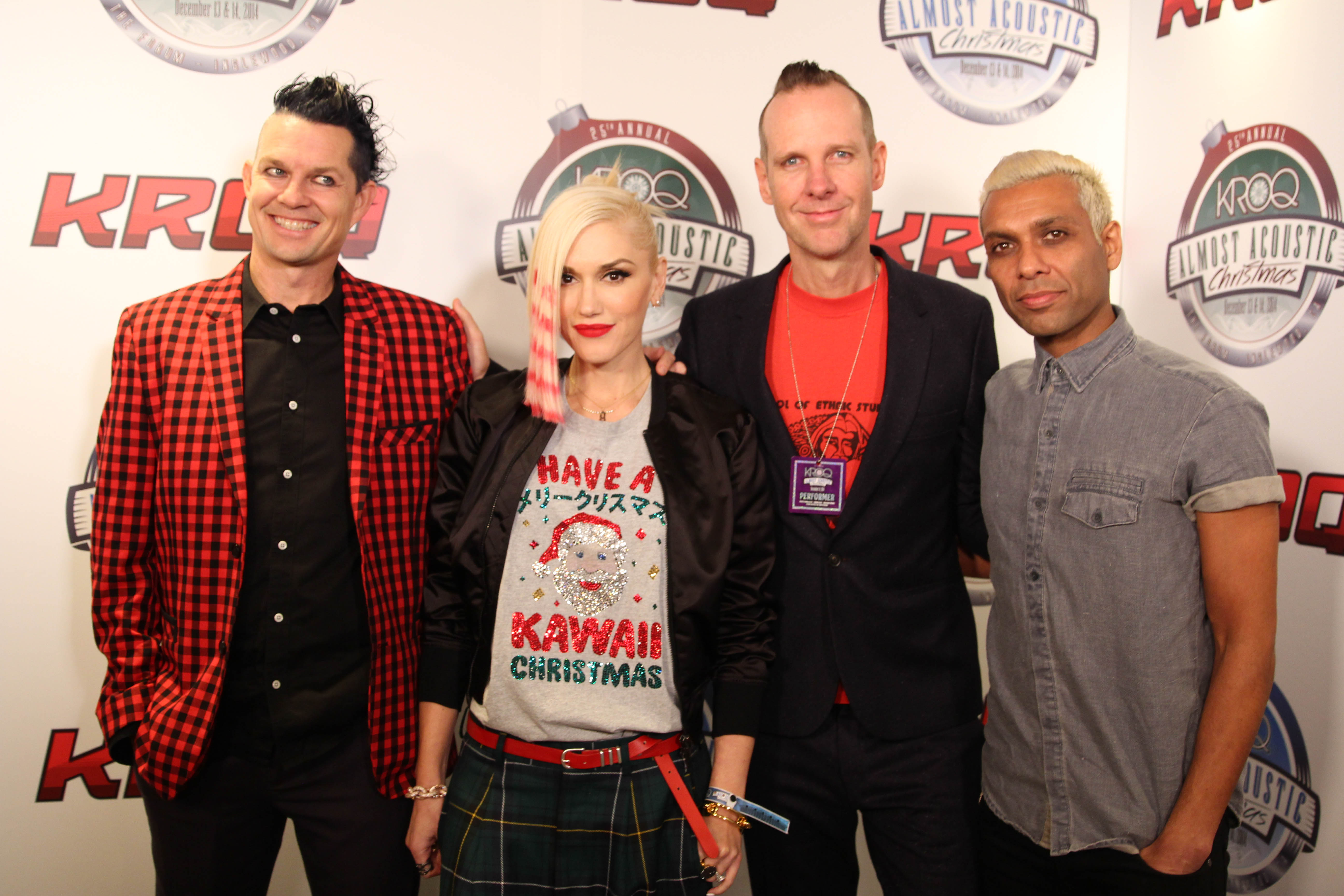 no doubt backstage at kroqs almost acoustic christmas - Kroq Christmas