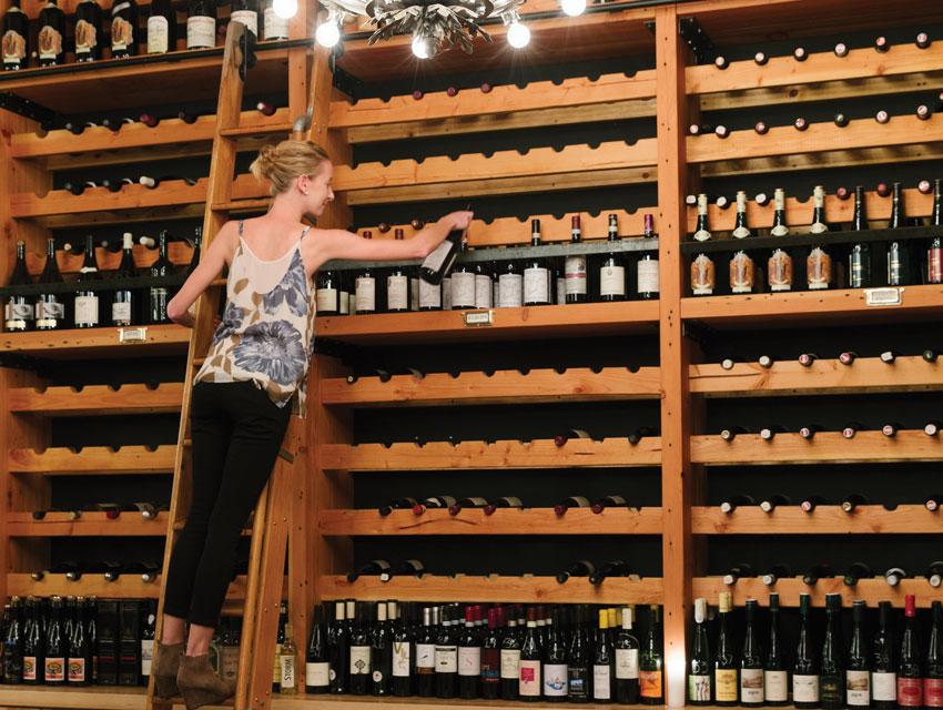 Les Marchands Wine Bar & Merchant