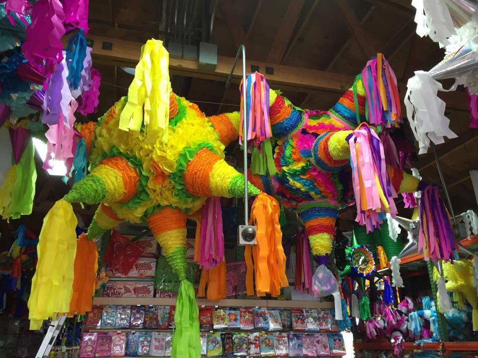 Piñata District