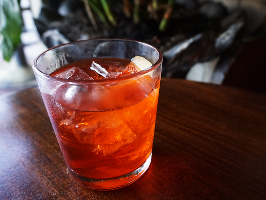 Melrose Umbrella Co.'s Negroniña
