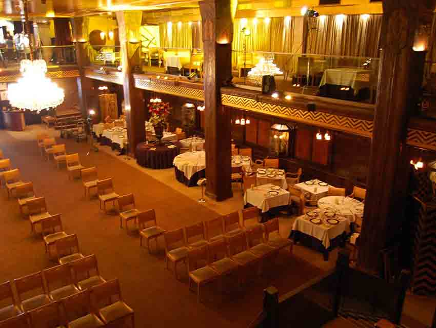 The interior of Cicada Restaurant in June 2009