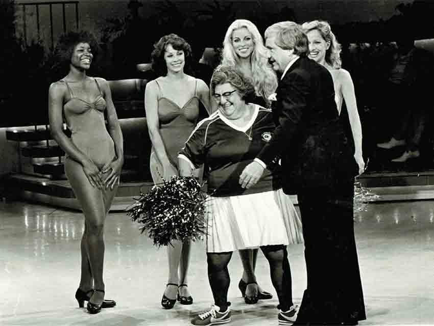 Rams cheerleaders Kristi Wheeler, Beverly Jeanne, Dee Kaye, Julie Jordan, and Phyllis Wagner on The Merv Griffin Show in 1978.