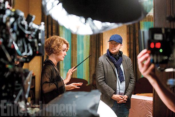 Alison Sudol (Queenie Goldstein) on set with director David Yates