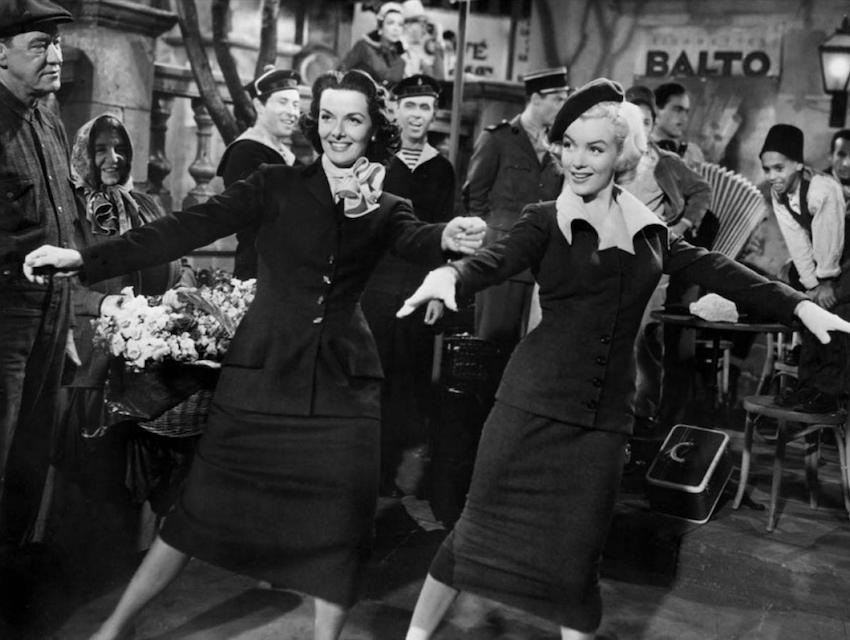 Dorothy (Jane Russell) and Lorelei (Marilyn Monroe)