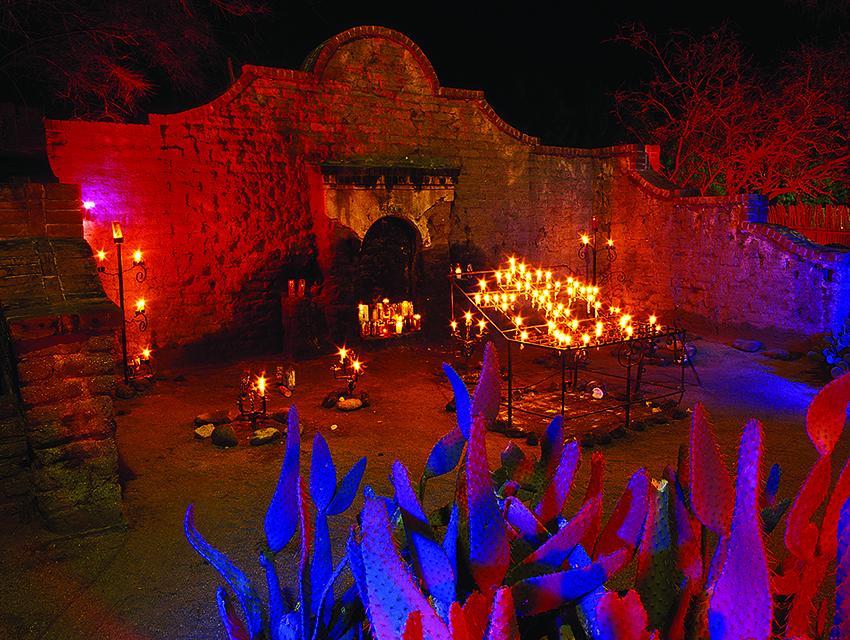 El Tiradito wishing shrine