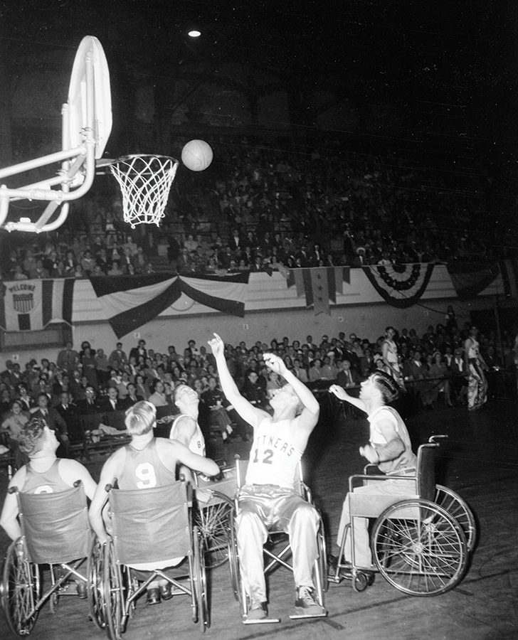 The Devils during their win against the Oakland Bittners in 1947