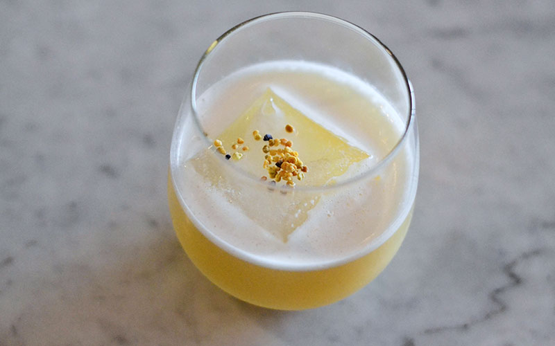 Birch's-#7-by-Gabriella-Mlynarczyk-with-bee-pollen,-scotch,-yuzu,-honey,-chamomile.-Photo-by-Natalie-B.-Compton.-