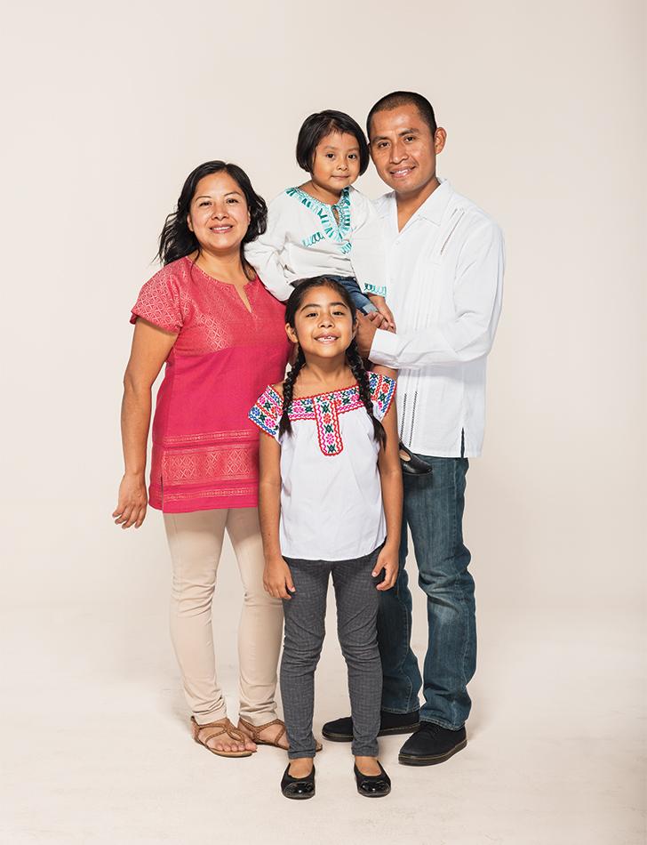 Sofie_Cruz_Family-276_HIREZ