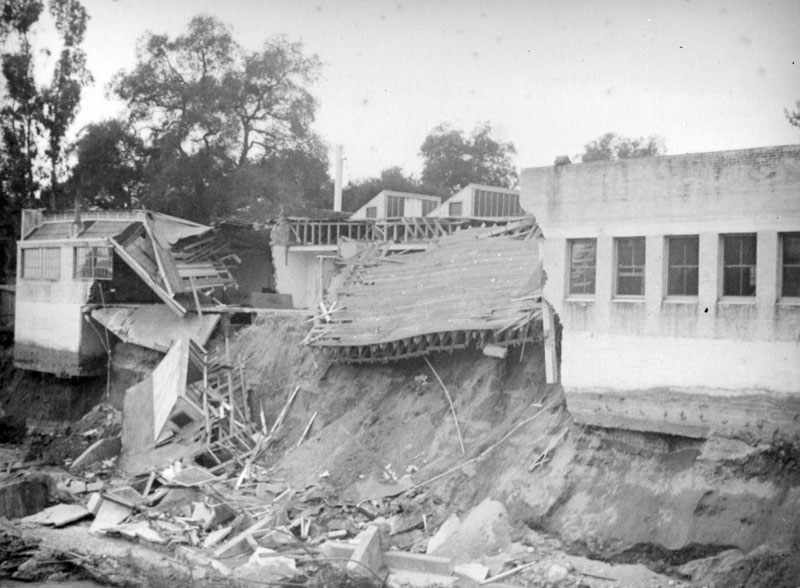 A building in Pasadena destroyed by the flood