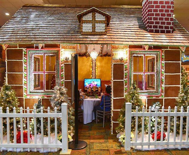 Gingerbread house at the Great Wolf Lodge