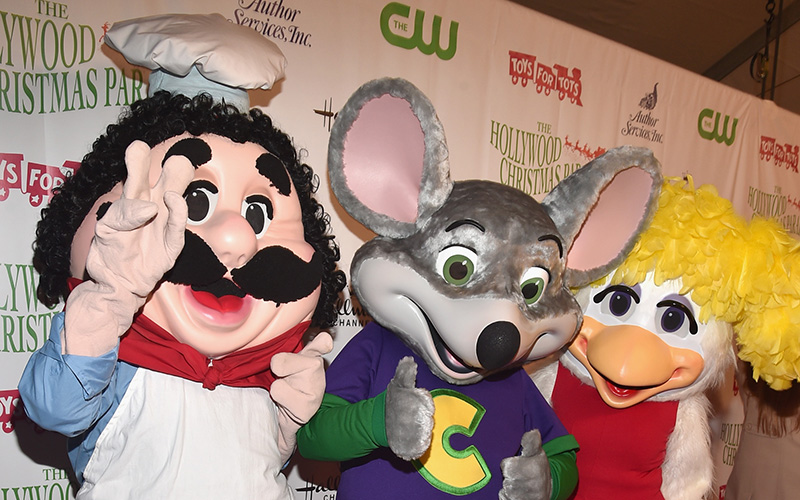 Chuck E Cheese Christmas.Let S Watch The Horrifying Chuck E Cheese Promotional Video