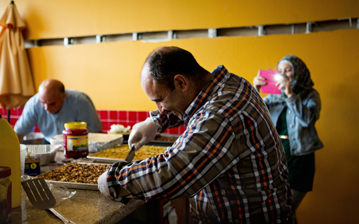Want to Eat Incredible Syrian Food? Go to This Supper Club Where Refugees Prepare Meals from Their Homelands Los Angeles Magazine