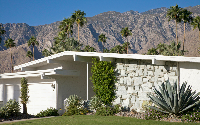 Lurid Old Hollywood Tales Lurk Within These Palm Springs Homes