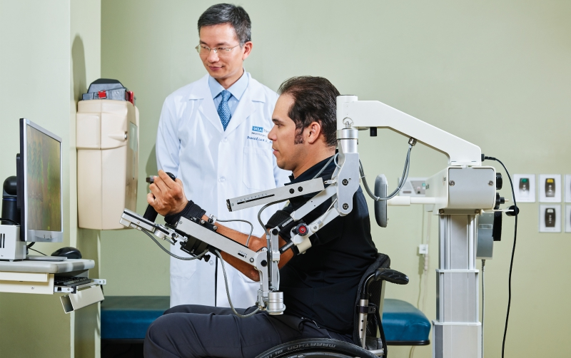 People With Spinal Injuries Are Regaining Use of Their Limbs in an