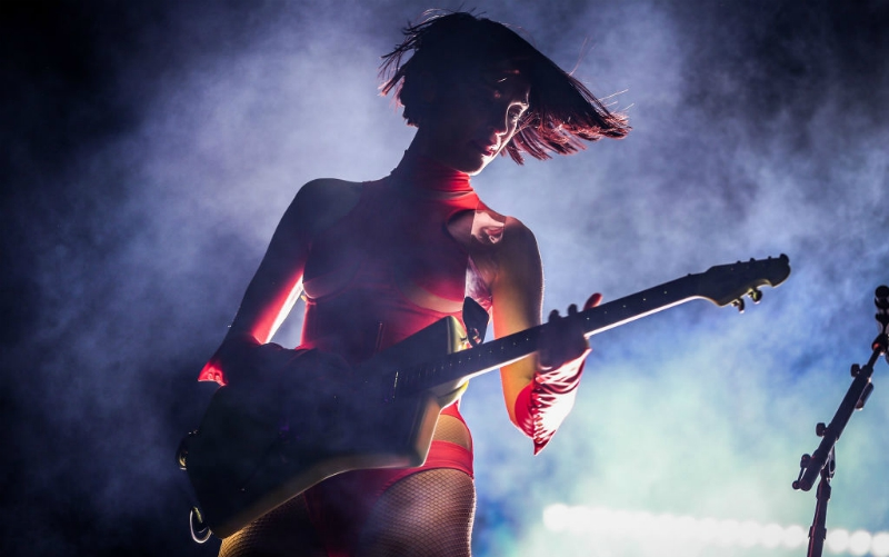 st. vincent annie clark coachella women guitars