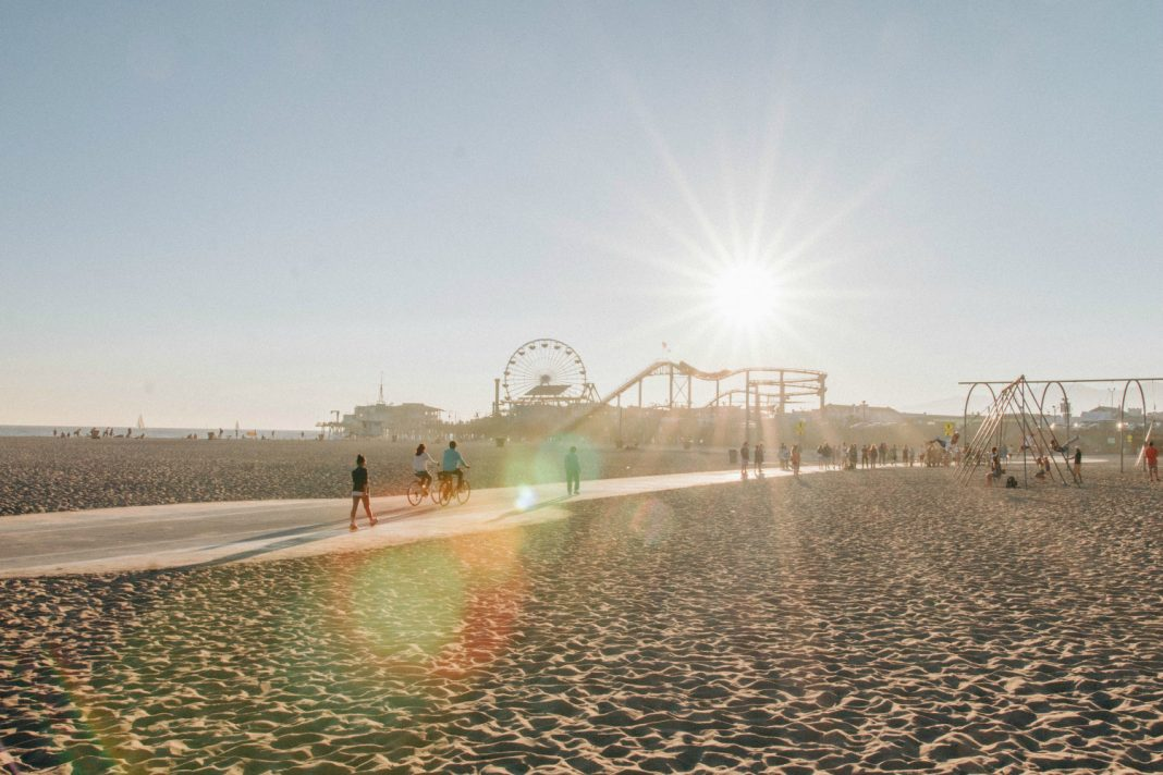 best things to do in la santa monica beach