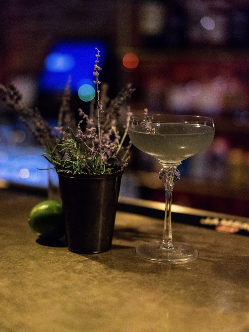gold diggers los angeles hotel bar
