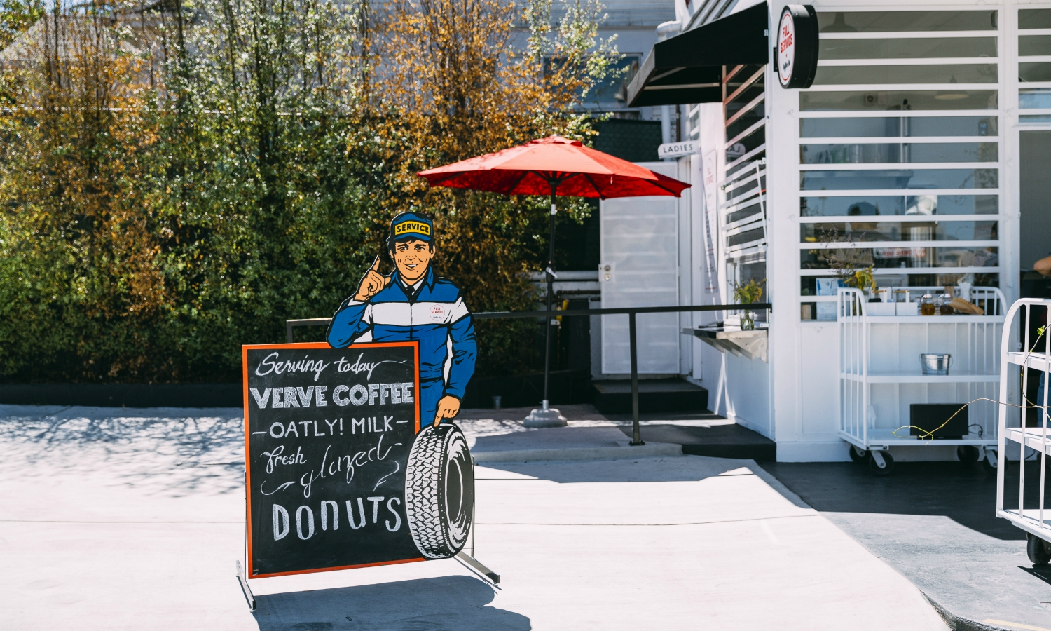 An Old Texaco in Koreatown Is Now a Drive-Through Coffee Shop
