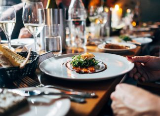 restaurant food events dinela dining