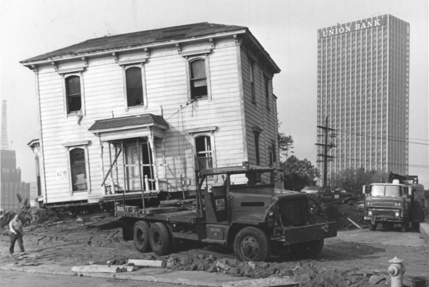 Why Don't You See Houses Being Moved Anymore?