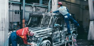 car wash range rover rain