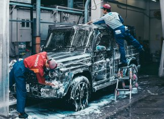car wash range rover rain