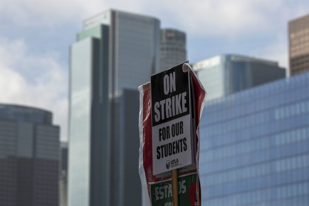 los angeles teachers strike tentative agreement