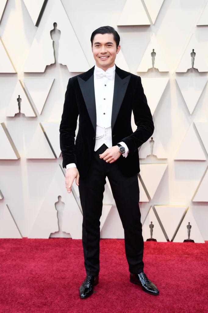 henry golding velvet tuxedo oscars 2019