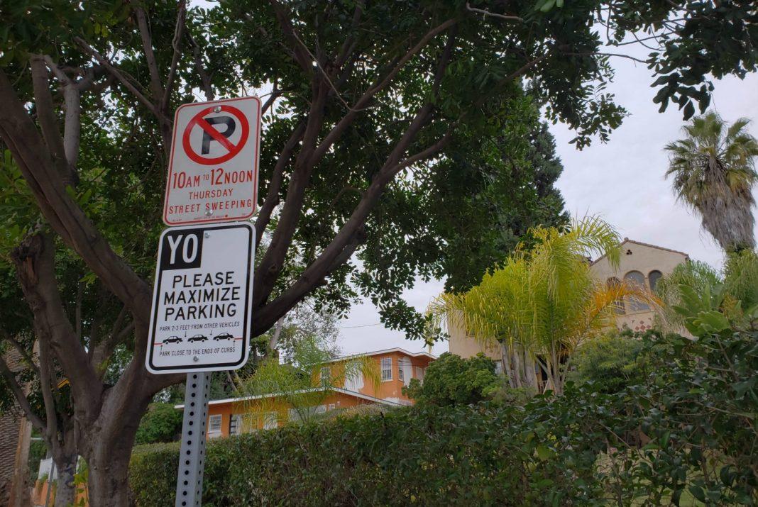 yo maximize parking signs echo park