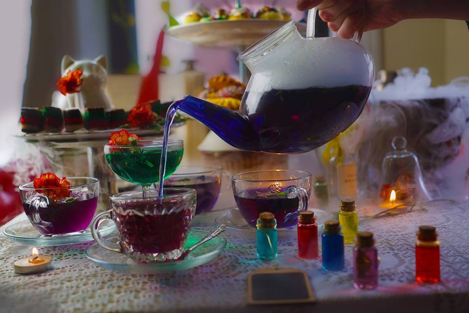 mad hatter tea party alice in wonderland pop up los angeles