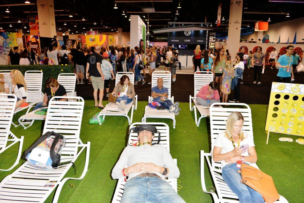 vidcon parents lounge
