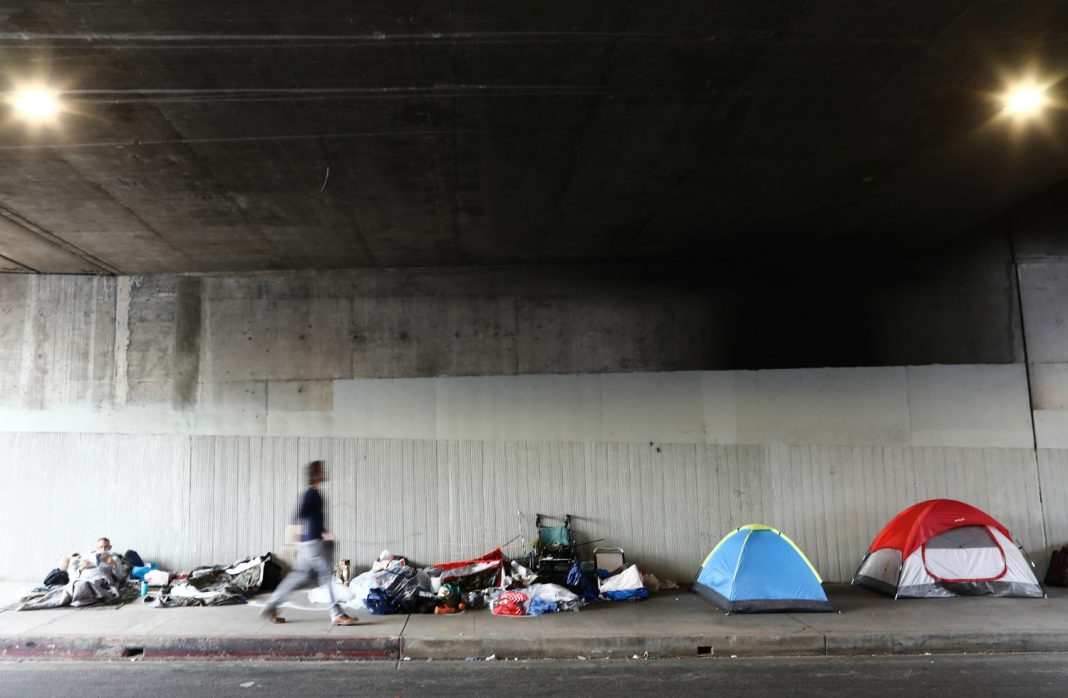 anti-homeless facebook groups los angeles