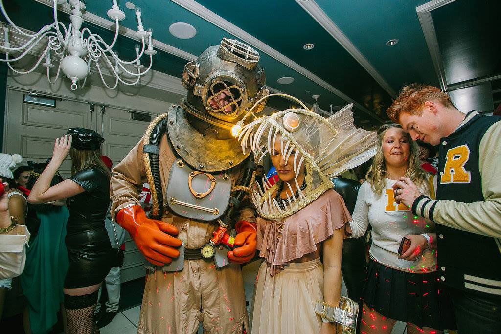 The Daily Universe Halloween Costume Contest 2020 The Competition Is Stiff at These L.A. Halloween Costume Contests