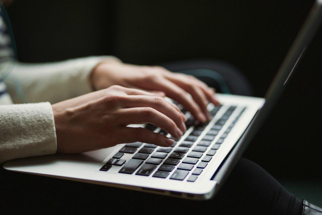 ab 5 freelance writers journalists