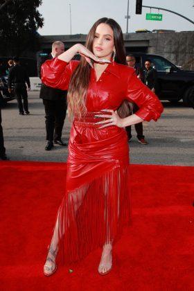 grammy red carpet Rosalía