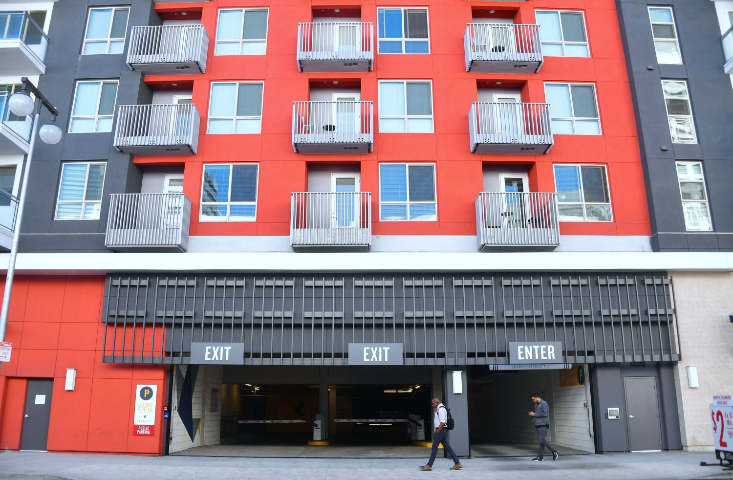 La Renters Impacted By Covid 19 Don T Know How They Ll Pay April Rent