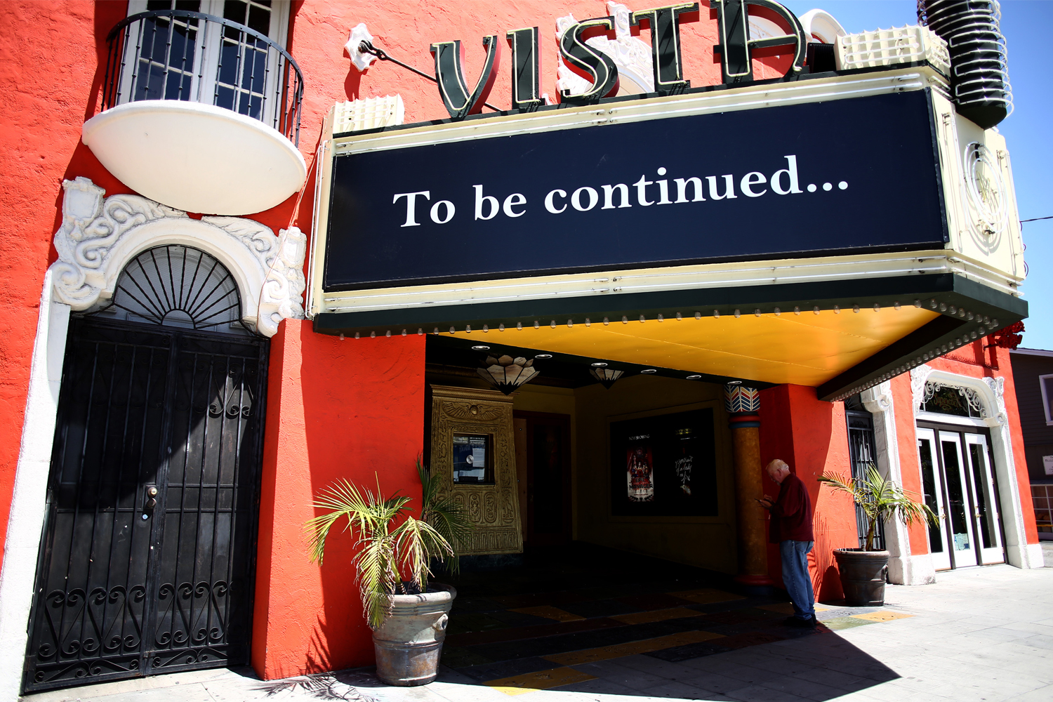 vista theater reopen