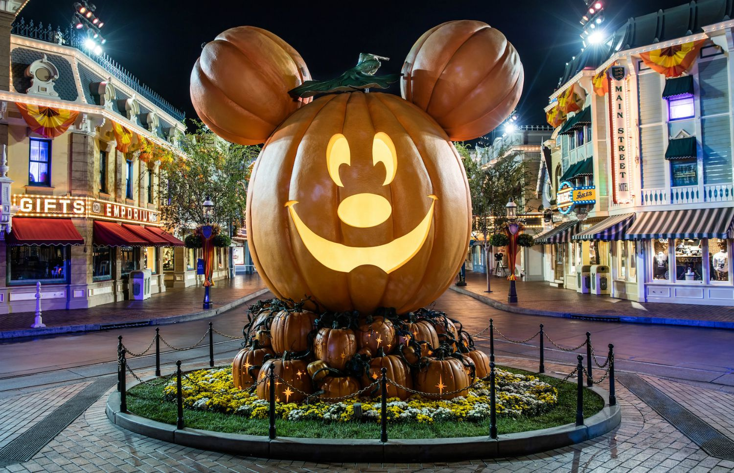 Halloween 2020 Socal Disneyland Halloween Is Canceled Along with Other Theme Park Events