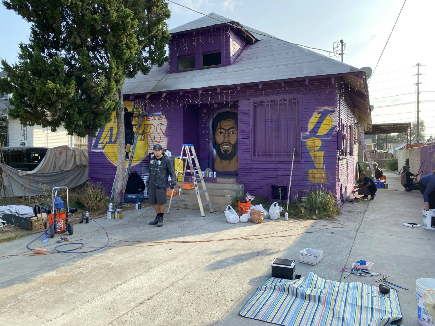 lakers house south-central
