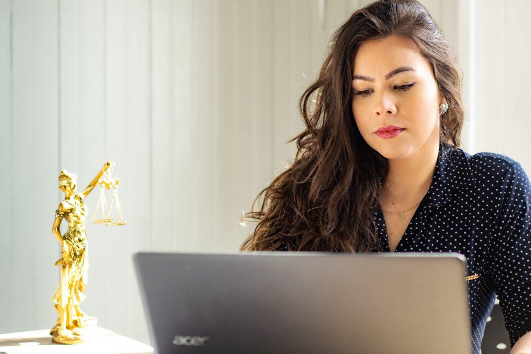 latina pay gap california