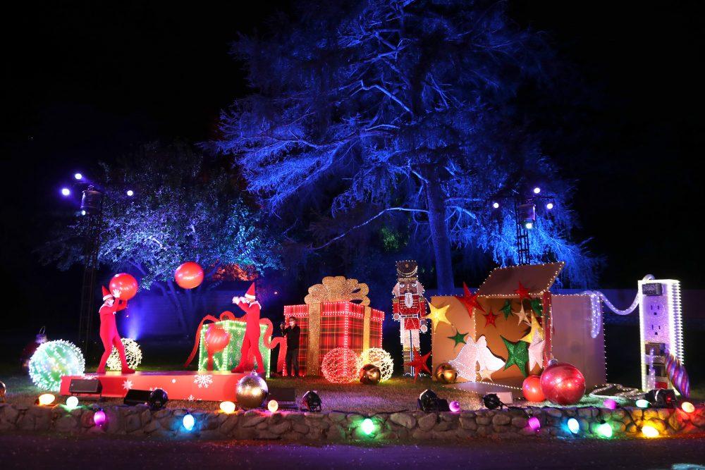 elf on the shelf drive thru los angeles elf on the shelf drive through holiday events 2020