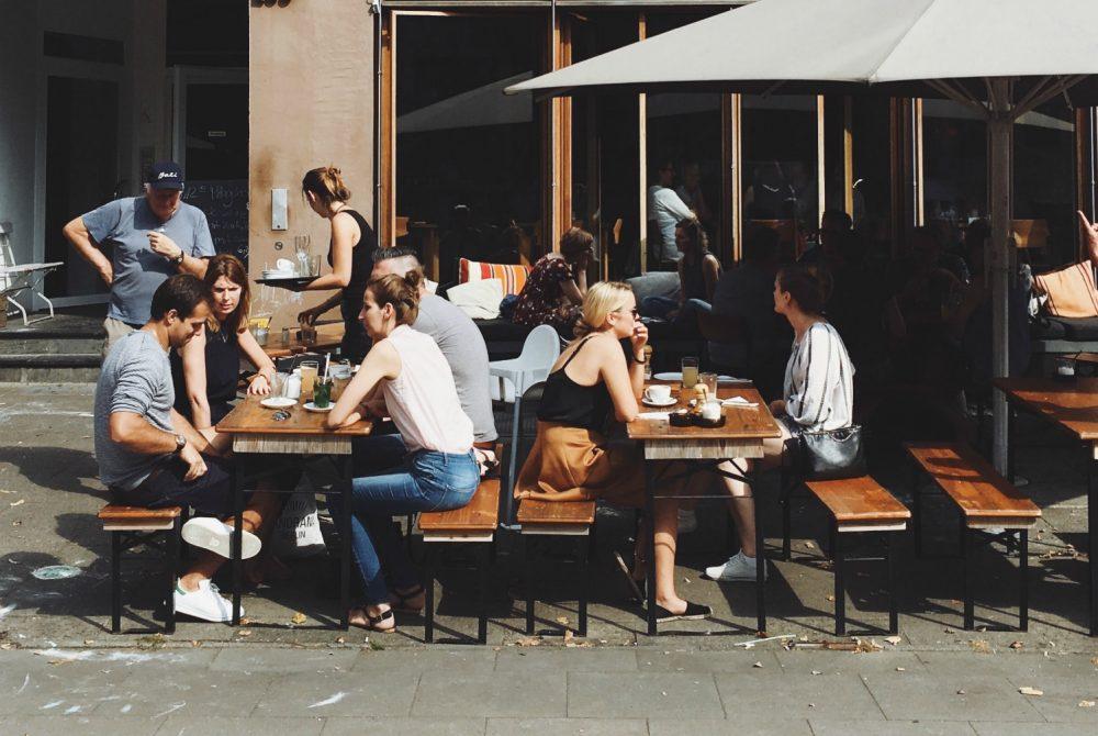outdoor dining patio los angeles covid-19