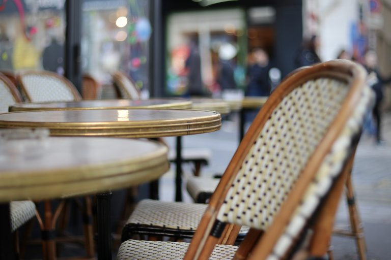 Judge Orders L.A. County Authorities to Show Evidence for Outdoor Dining Ban