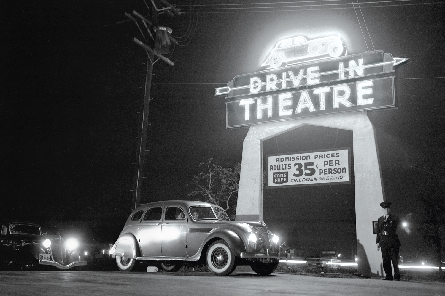 drive-in history
