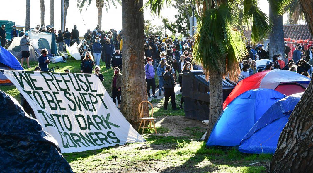 echo park lake homeless unhoused sweep