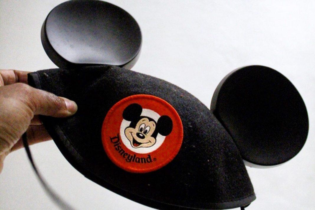 disneyland mickey mouse ears disney cast member uniforms disney look