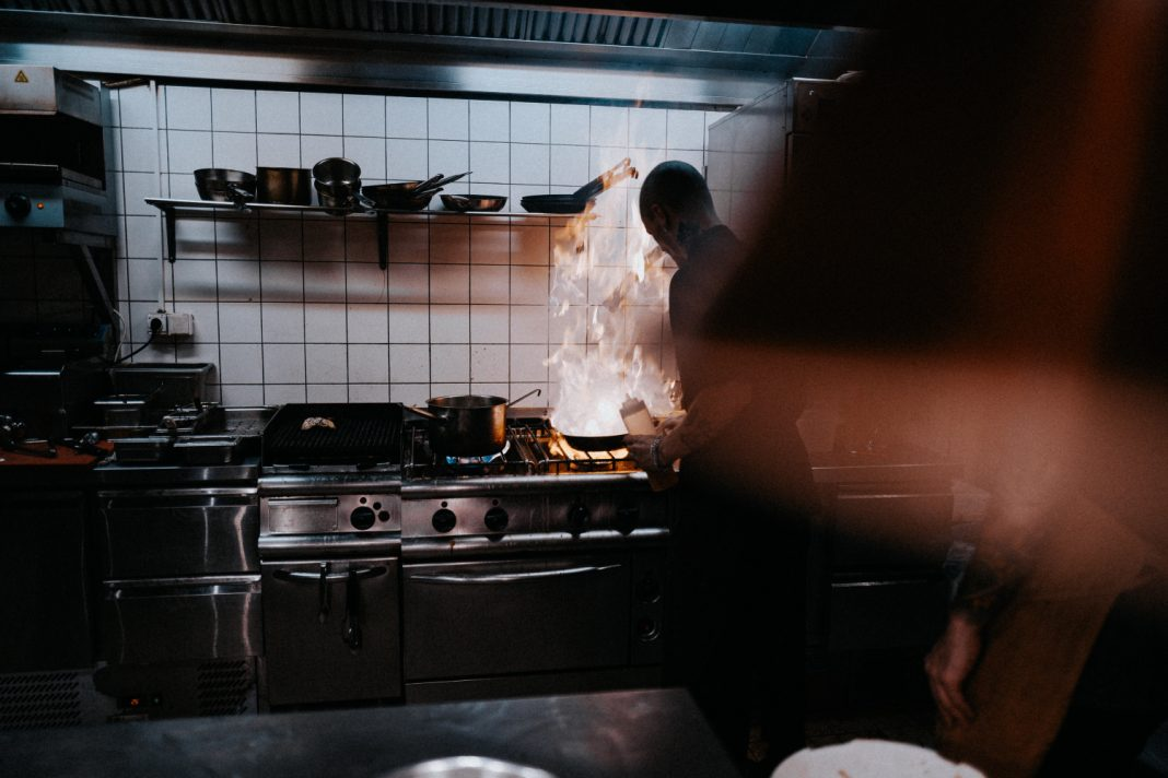 restaurant staff shortage