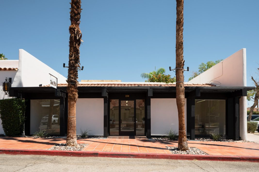 the pit palm springs